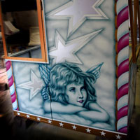 airbrush aerograf attraction painting ferris wheel ruskie kolo karuzela malowanie gold silver white srebrny biały róże